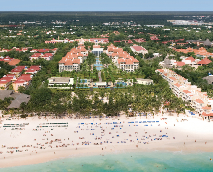 Beach Vacation to RIU Palace