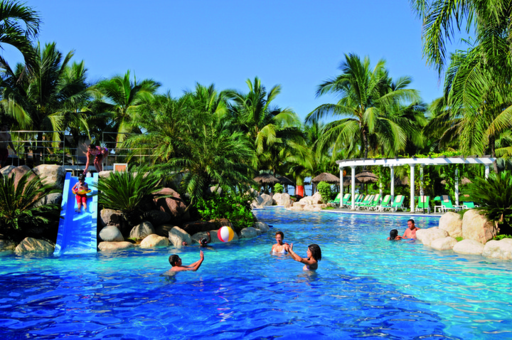 Group Activities RIU Jalisco