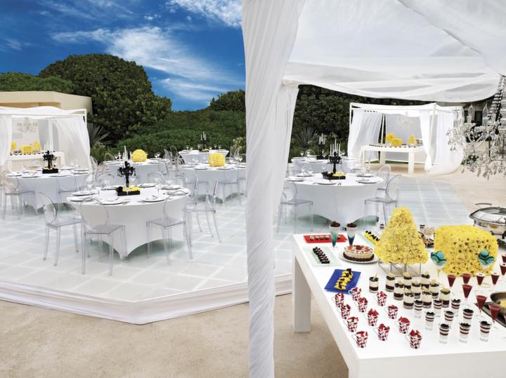 Large Group Travel Cancun Live Aqua