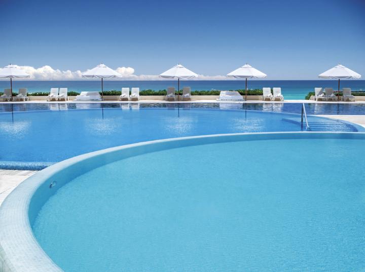 Luxury Group Vacation Live Aqua