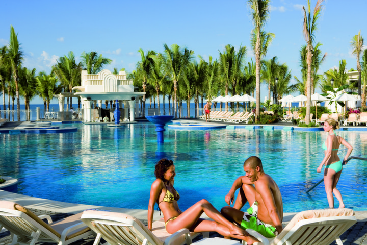 Luxury RIU Vallarta for Large Groups