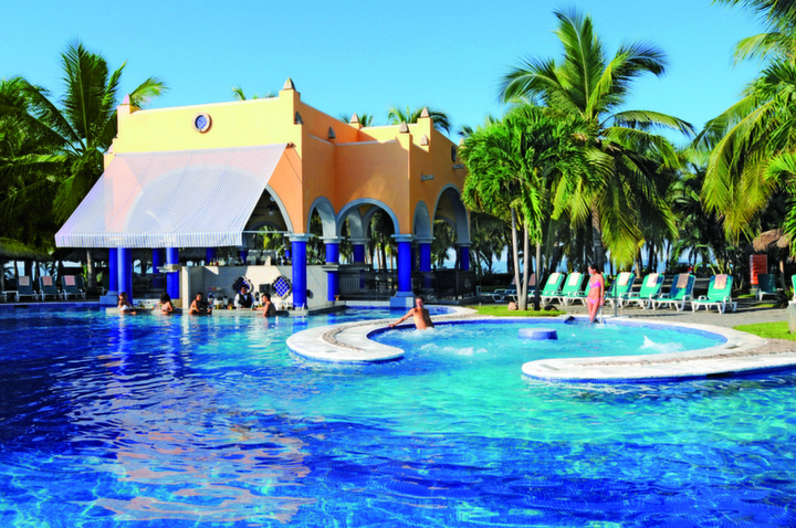 RIU Deals at Jalisco for Group